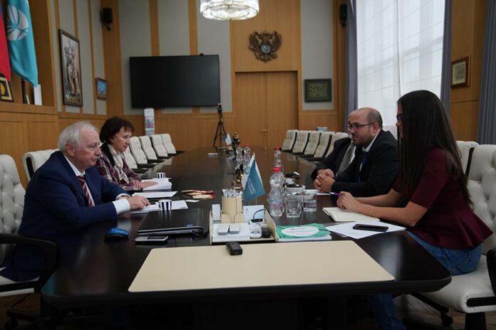 В «Щёлково Агрохим» обсудили поставки венгерских средства защиты растений