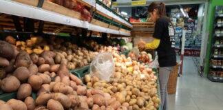 Картофельный кризис — в Кузбассе растут цены на второй хлеб