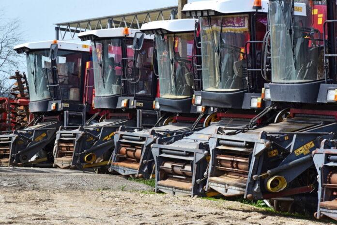В России в 2023 году появится каршеринг тракторов и комбайнов