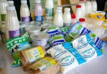 Жаркое лето и дефицит кормов стали причиной роста цен на молоко в Свердловской области