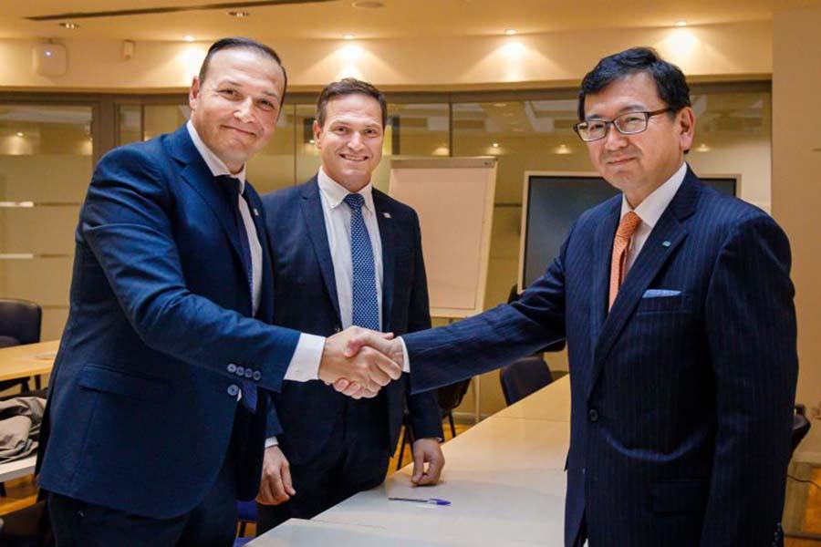 Kverneland Group и корпорация Kubota выходят на растущий рынок ленточных валкообразователей, приобретая 80% компании ROC